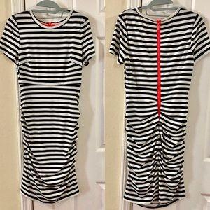 Vince Camuto Short Sleeve Midi Dress
